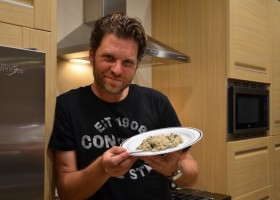 Chef renomado oferece jantar para amigos nos EUA