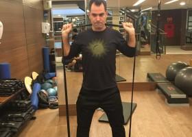 Márcio Lui ensina cinco exercícios que trabalham o corpo todo