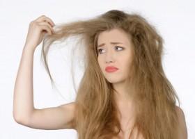 4 dicas para baixar o volume dos cabelos em dias rebeldes