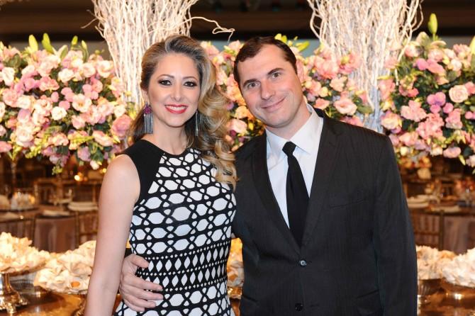 A consultora de imagem, Marcela Bellé ao lado do marido Juliano.
