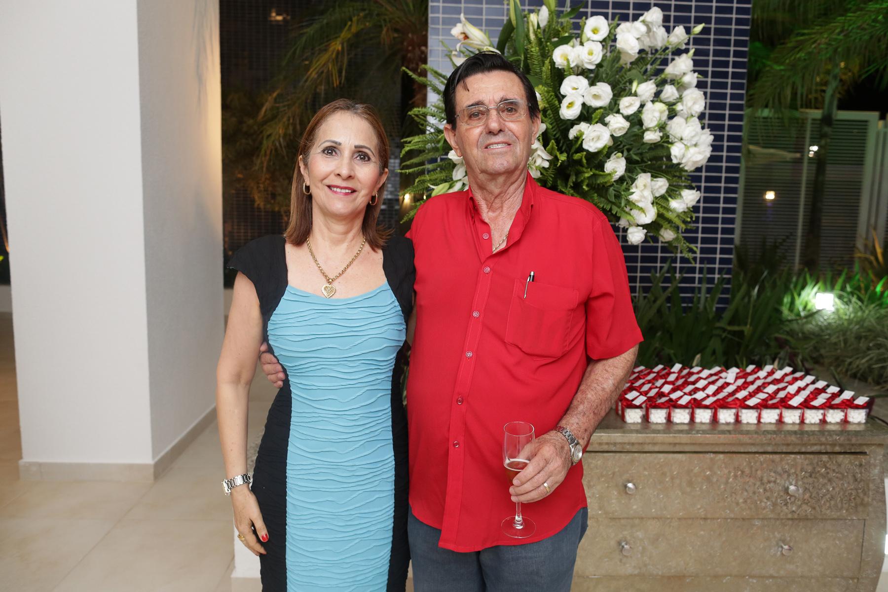 Clientes do empreendimento, Ari Alves Pereira e esposa Sirene