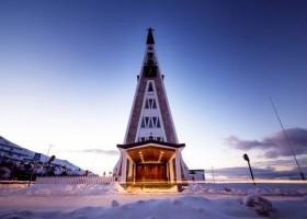 5 igrejas com uma arquitetura incrível para visitar na Noruega