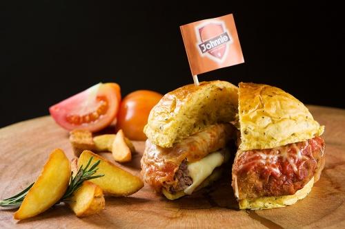 Johnnie Burger - ParmeBurger