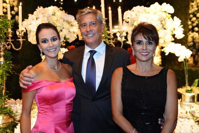 Familia Genta reúnida posando para a foto: Raquel, Sara e Paulo, clicados por Marcos Vollkopf.