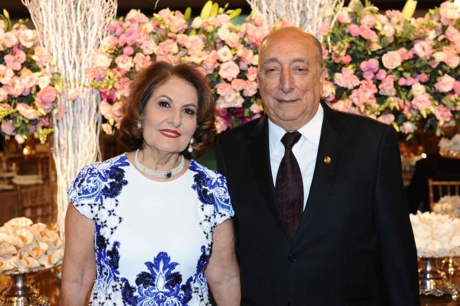 A educadora, Reni Domingos dos Santos ao lado do esposo, o senador Pedro Chaves dos Santos Filho.