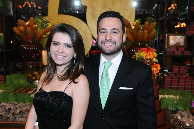 O jovem e querido casal, Antonia Barbosa e Daniel Castro.