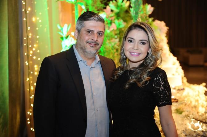 Omar Kadri e Cassiane Nunes. Ela que aniversaria no próximo dia 13.