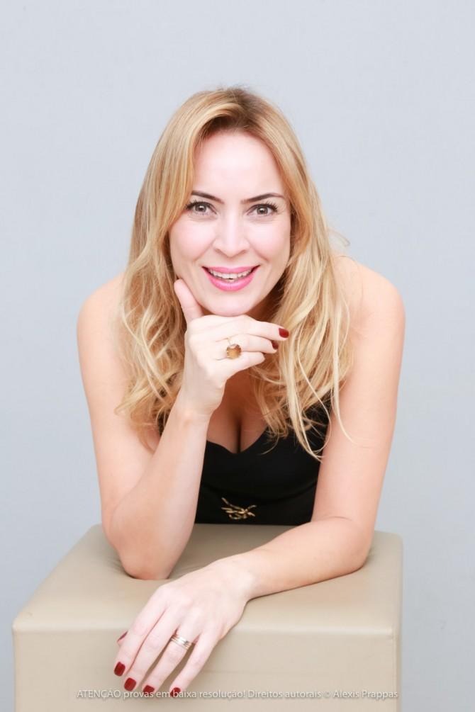 A jornalista e empresária Tatiana Ratier, festeja neste domingo (12), a troca de idade.