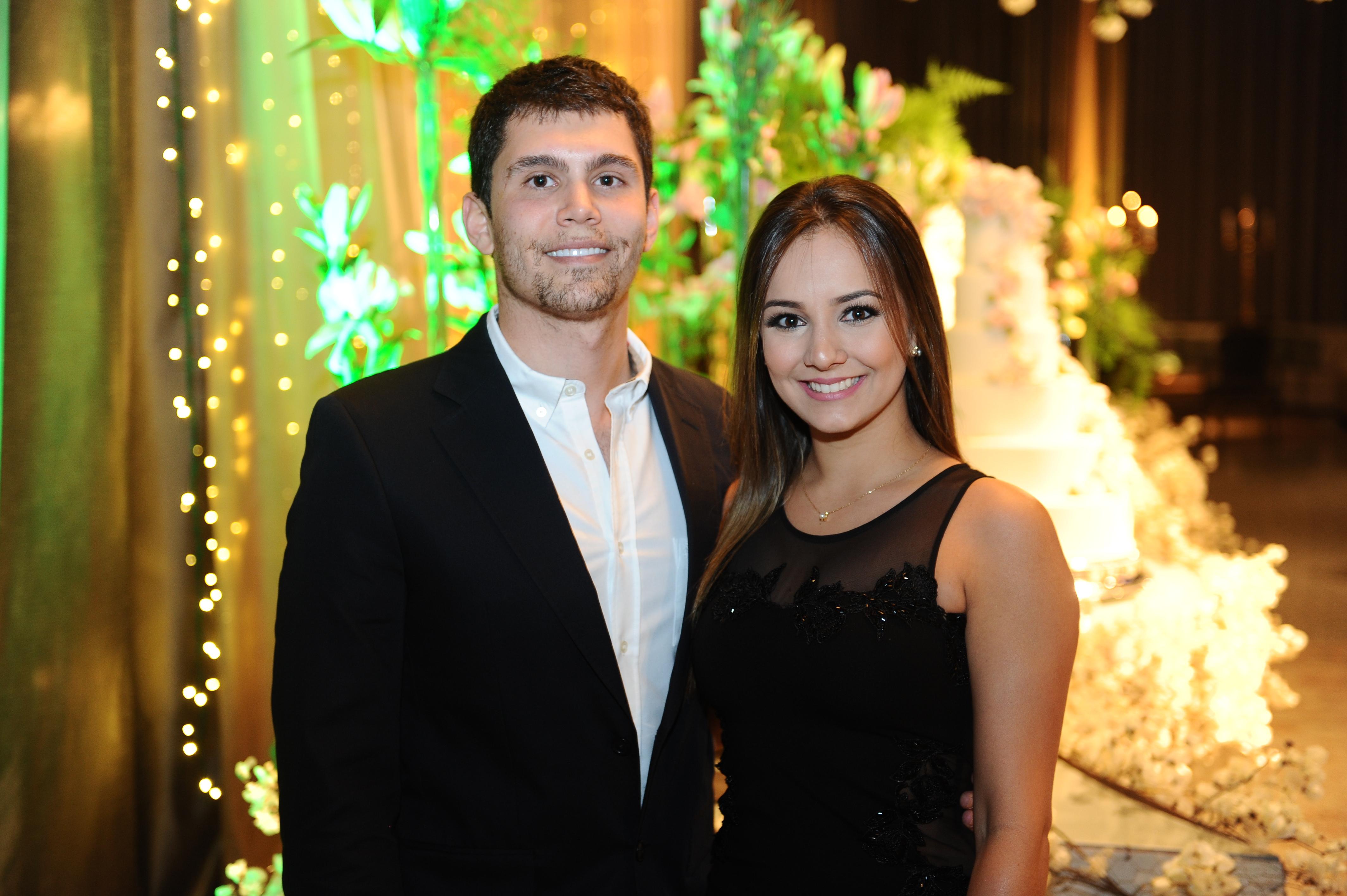 Os noivos Guilherme Rodolfo Reich e Bruna Silveira, em noite de festa