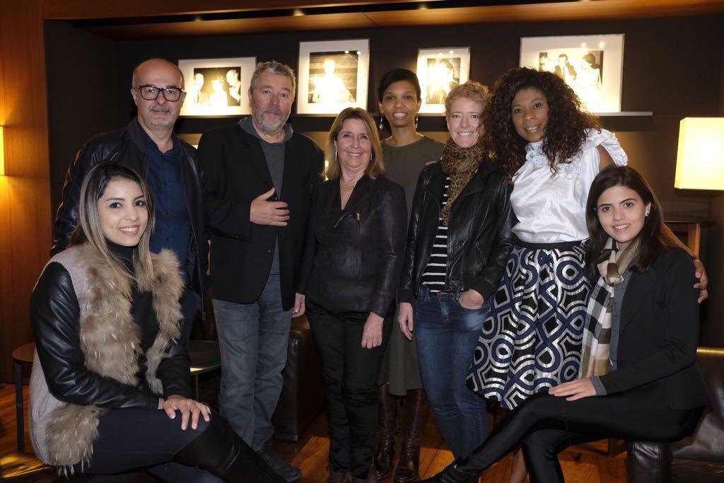 Philippe Starck (de blusa cinza) com os arquitetos