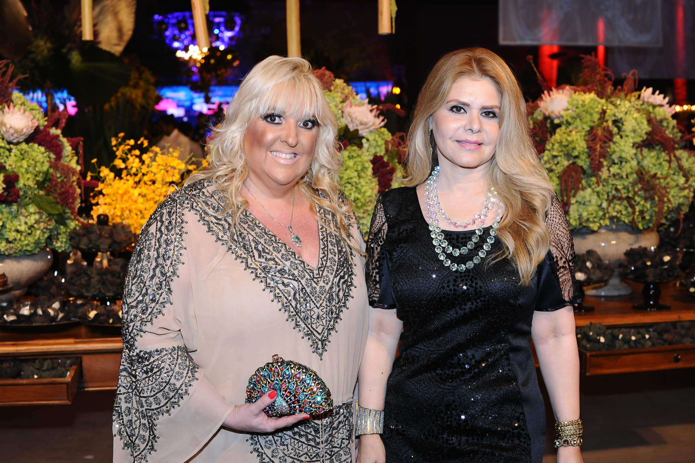 As amigas Eva Oliva e Tânia Varela prestigiando a festa
