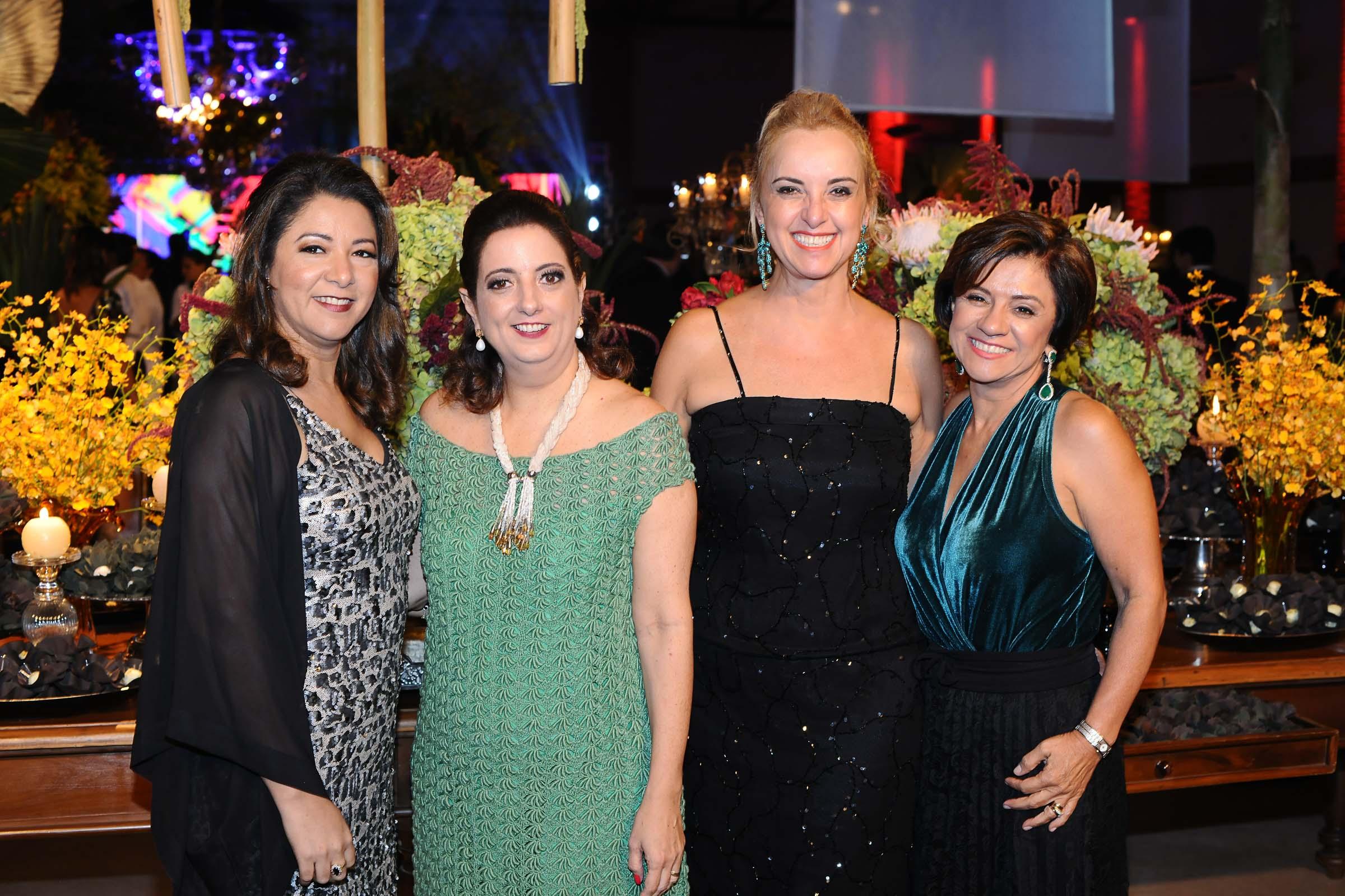As amigas Joyce Barbosa, Patrícia Faracco, Palmira Figueiredo e Meire Faracco