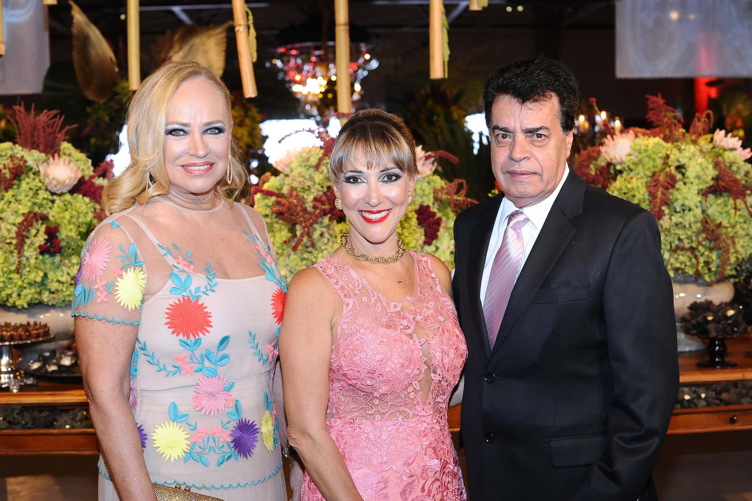 Loreta Zardo com o casal Ione Albuquerque e Paulo Souza
