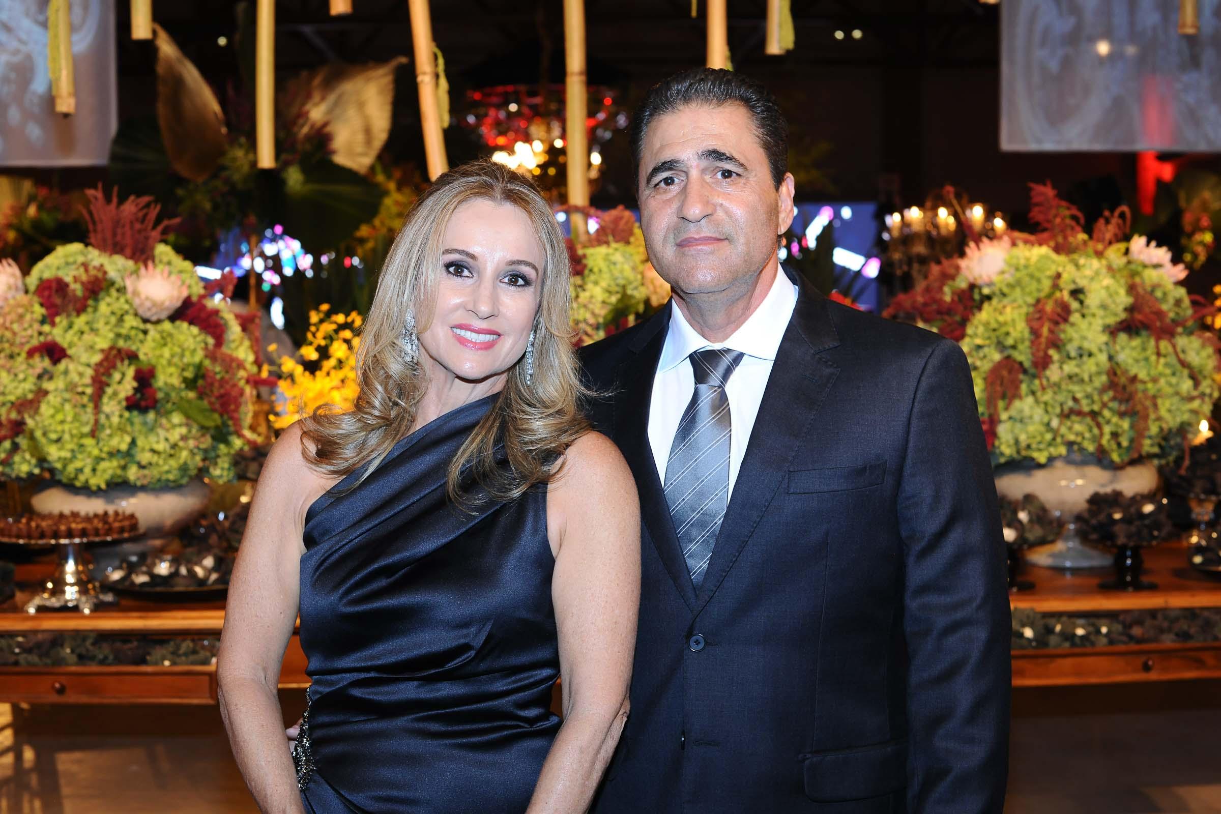 O casal Euza Rezek E Babib Rezek Junior