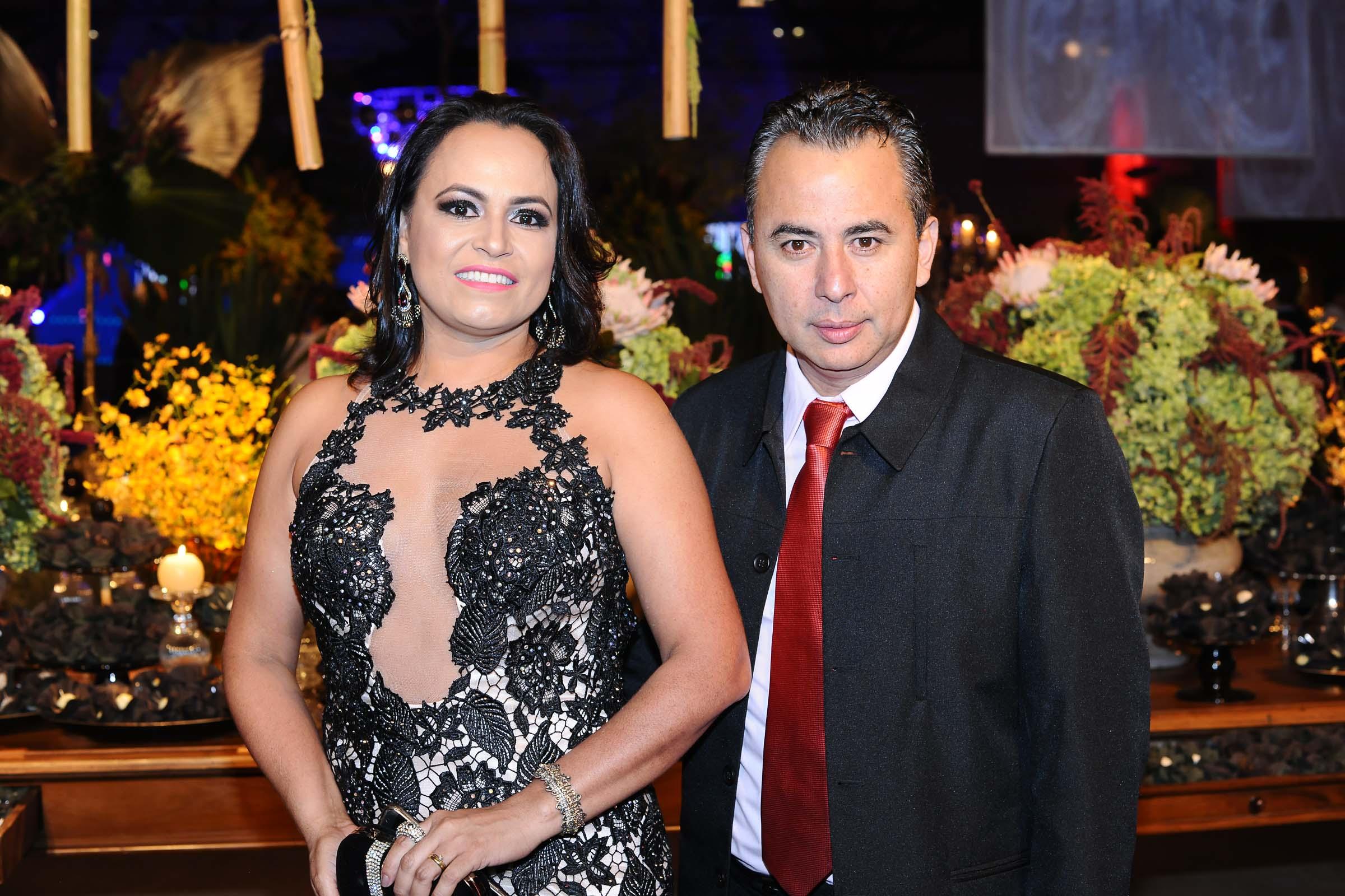 O casal Sinedir Amorim e Ronald Kanashiro