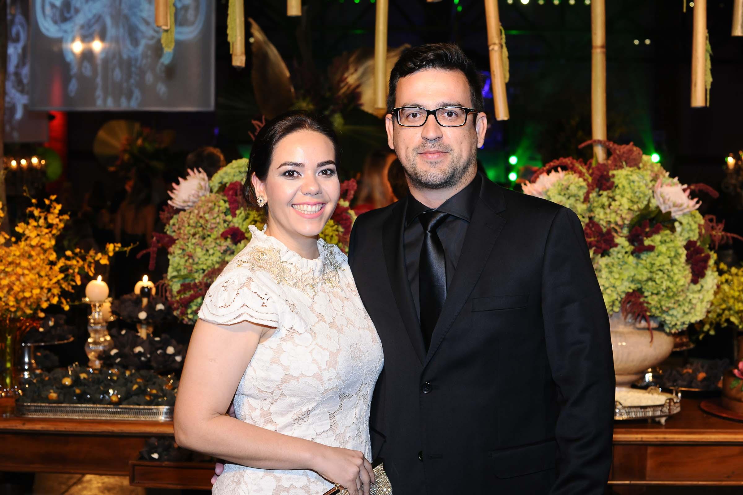 Suzana e Leandro Freitas que comandam as óticas Carol em Campo Grande