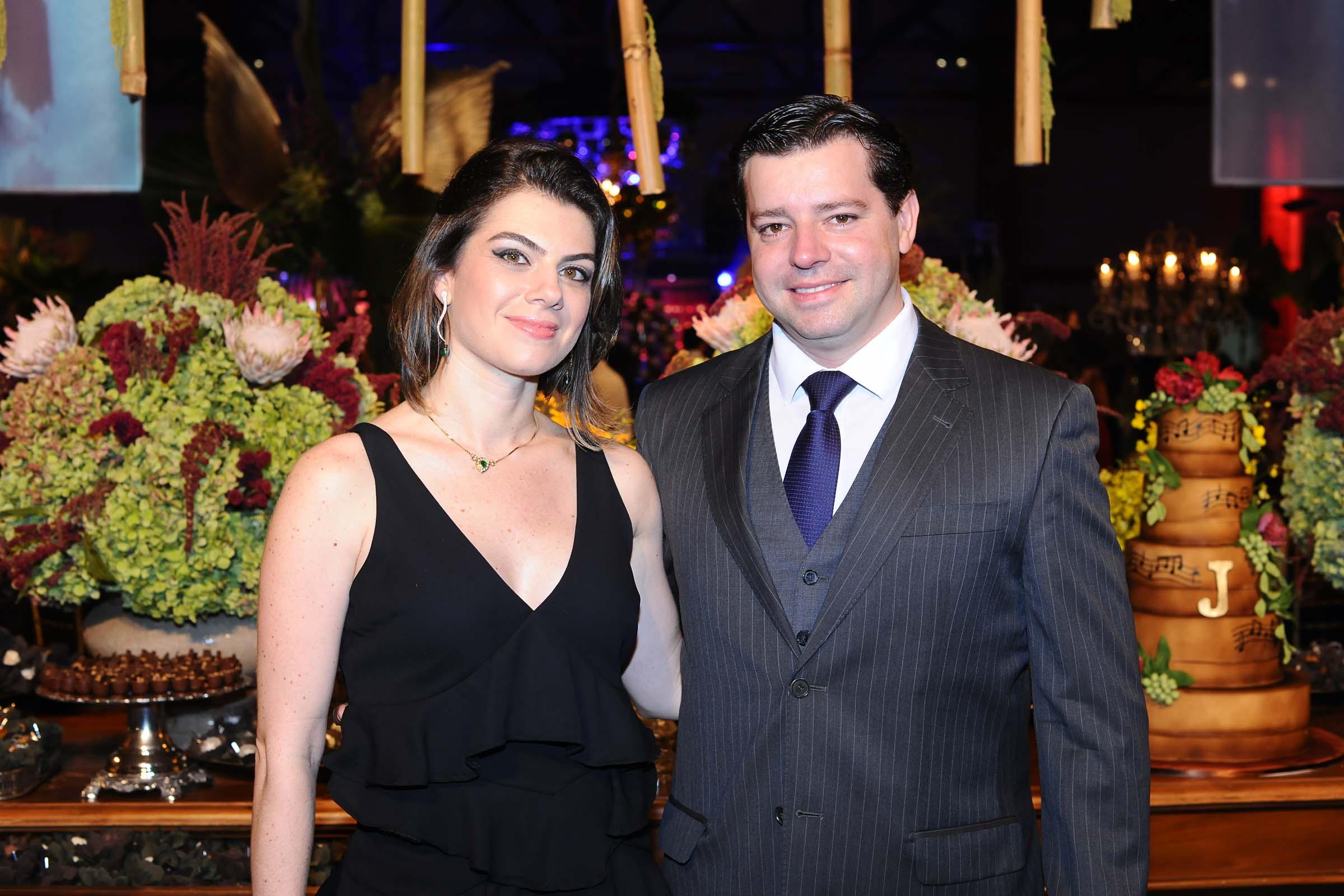 O casal de médicos Rafaela Siufi e Fabricio Colacino