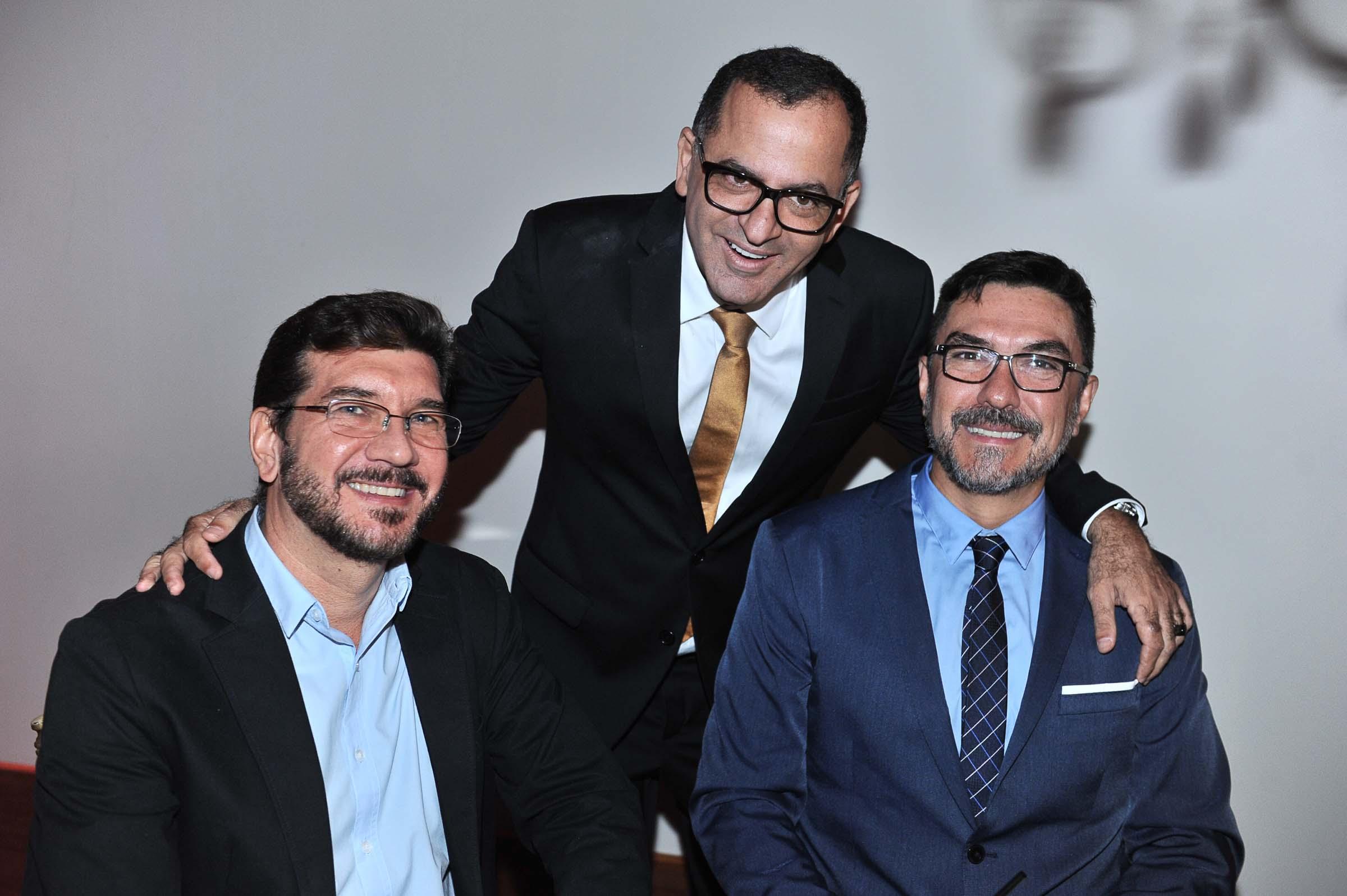 O deputado estadual, Pedro Kemp, Jefferson e Adriano Oliveira