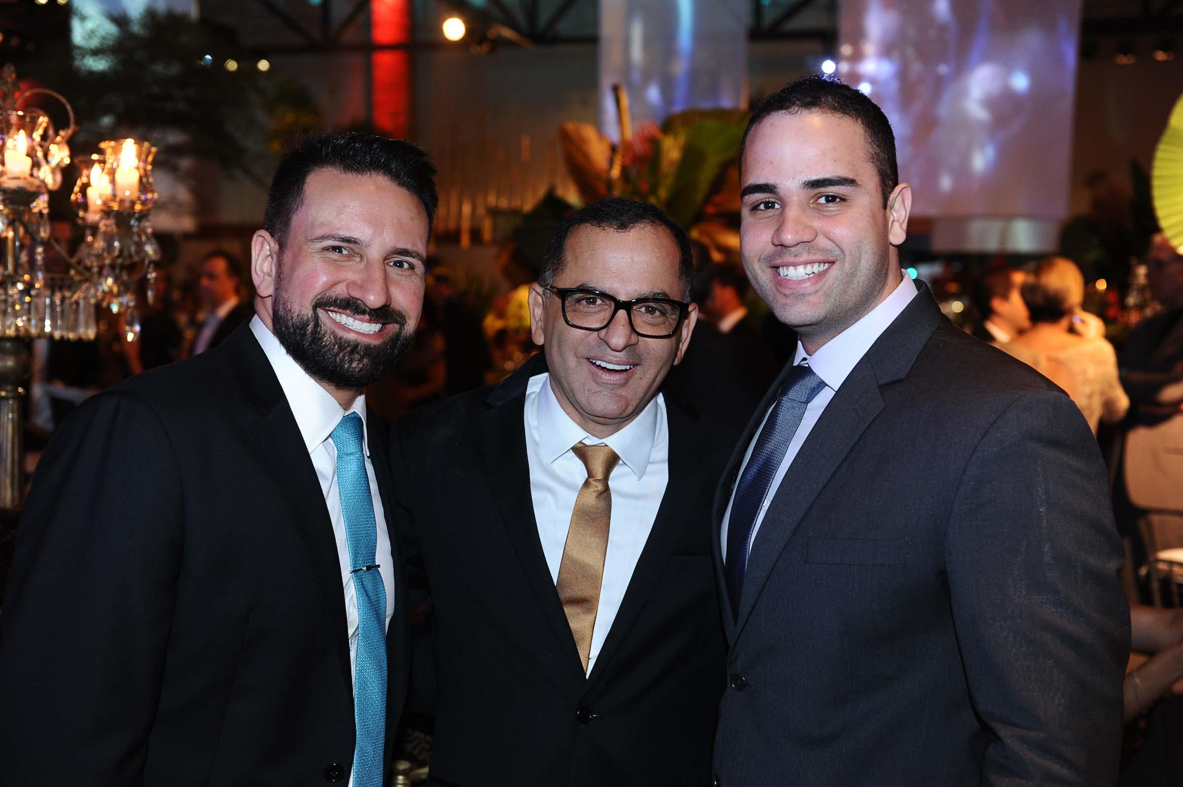O personal trainer Fernando Almeida, Jefferson e o médico Bruno Rosas