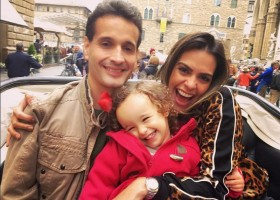 Livia Rossy curte férias na Toscana por Itália em Português