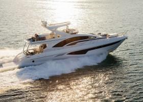 Iate com Beach Club da Intermarine é destaque de luxo no São Paulo Boat Show