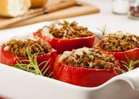 Receita colorida e saborosa: pimentão recheado com paleta moída