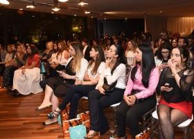 Tiffany&Co. promove o Tiffany Love Stories