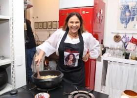 Fafá de Belém faz jantar em sua casa para lançar Varanda de Nazaré 2017