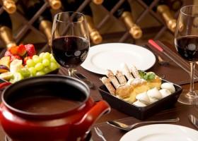 Aprenda uma deliciosa versão da receita de fondue de chocolate