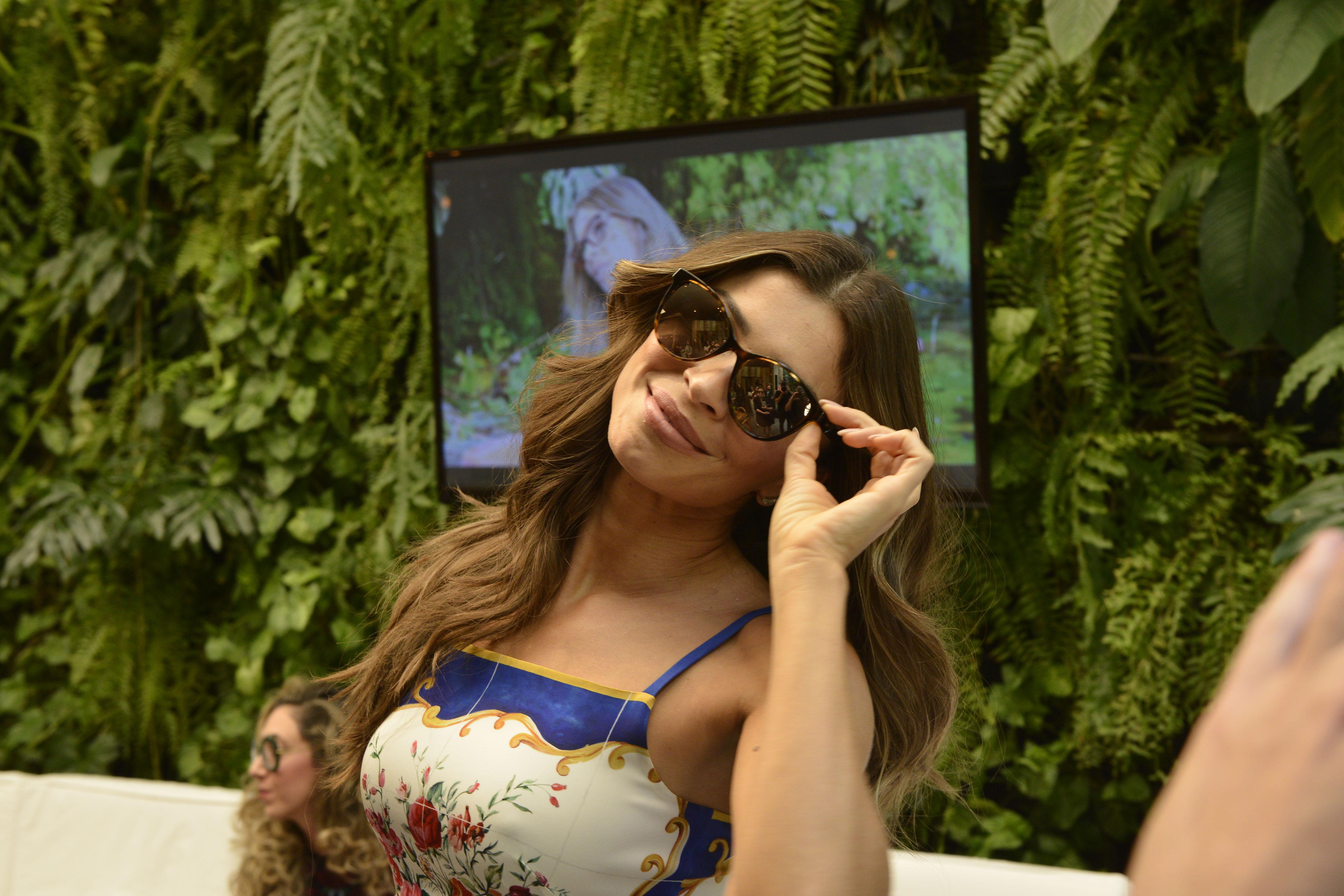 Parte da renda obtida com a venda dos óculos será destinada ao projeto  Teçume, criado pela ONG Casa do Rio. af2366571f
