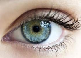 Hidratação dos olhos requer atenção