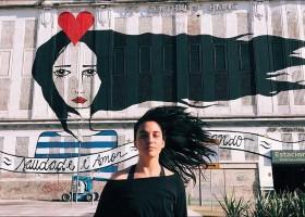 Rita Wainer pinta murais na França em parceria com Air France