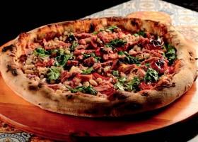 Chef Erick Jacquin cria pizza de feijão para Dona Firmina