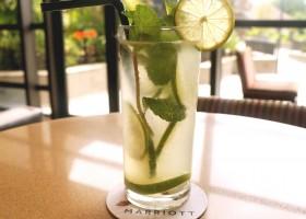 Verão pede drinks leves e refrescantes