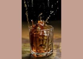 Frank Bar oferece drink clássico na Negroni Week 2018
