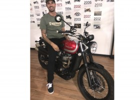 Skatista Bob Burnquist é o novo parceiro da Triumph para divulgação da marca no Brasil