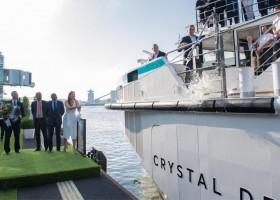Crystal Debussy: cerimônia em Amsterdã marca lançamento da embarcação de cruzeiro fluvial