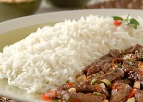 Aprenda a fazer arroz vietnamita