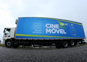 Campo Grande tem cinema gratuito pelo Projeto 'Cinemóvel Carrefour'