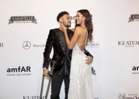 Baile de gala do amfAR reúne famosos em São Paulo