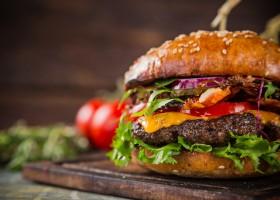Casa Madeira ensina a preparar hambúrguer gourmet