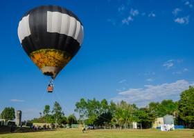Férias de julho no Brotas Eco Resort terá voo de balão, show de mágica, cine pipoca e muito mais